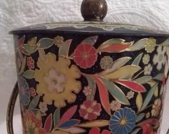 Old decorative Tin