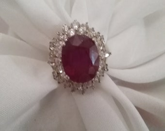 Lovely  red stone ring