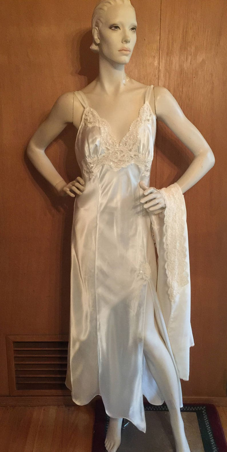 Peignoir Set Ivory Satin Lace Nightgown and Robe Vintage  19b1c57a2