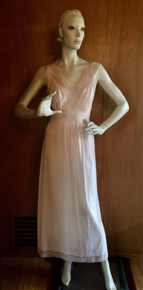 1950's Dusty Rose Lingerie Nightgown Peignoir Gown