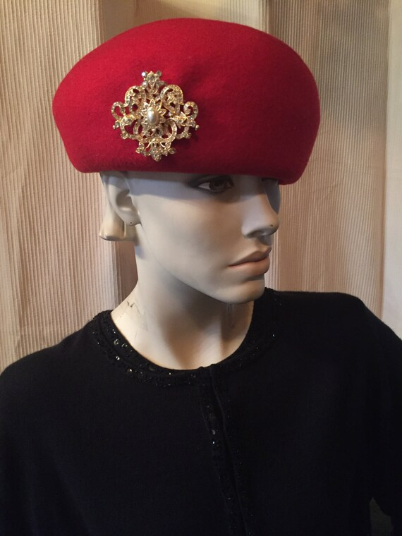 Wool Felt Sculpted Red Beret Hat with Medallion -