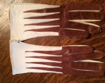 1940's  Leather Driving Gloves Hand Stitched Caramel Brown and Ivory Glove Size 7 1/4 Never Used