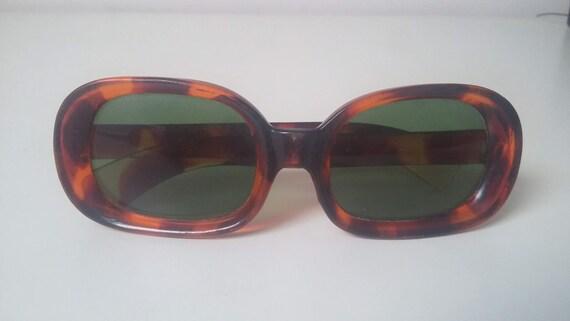 Square Sunglasses / Vintage  Sunglasses / 70s