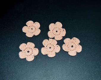 Set of 5 crocheted flowers-orange