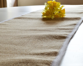 Burlap table runner and his white lace measuring 35 cm wide and 230 cm long / rustic table / wedding Table