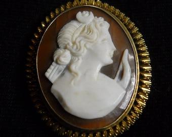 Vintage antique cameo pendant medallion 1800s, gold, great-grandmother, oval shape, antique vintage jewel, gift, carved shell, vintage cameo