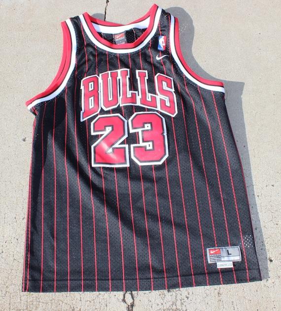 buy popular baca9 c353f Vtg Michael Jordan 90's Chicago Bulls Nike Jersey Sz L