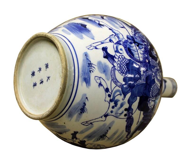 Chinese Blue White Porcelain Warfield Graphic Long Neck Vase cs2468E