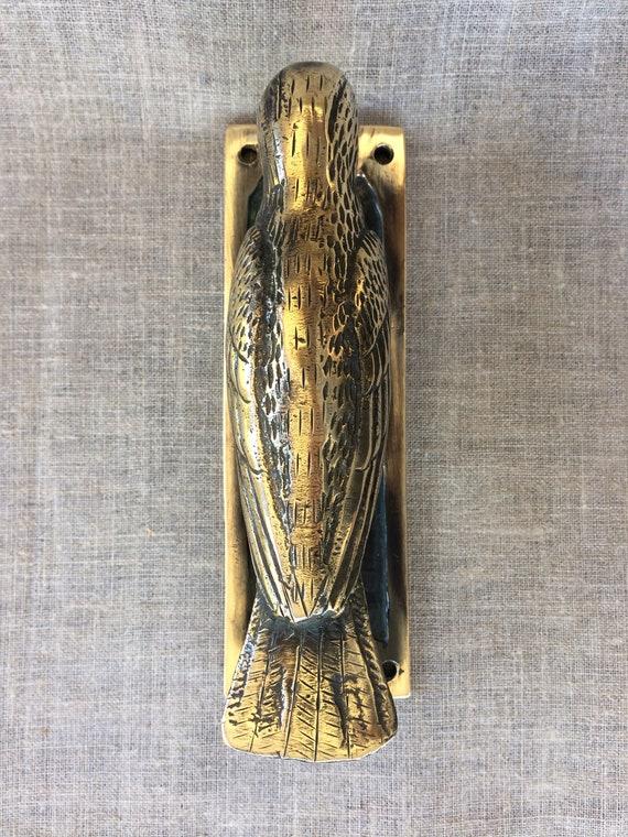 VINTAGE ANTIQUE STYLE HAND MADE SOLID BRASS BIRD SCULPTURE DOOR KNOCKER