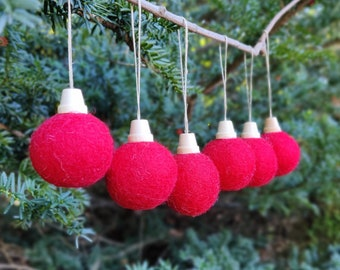 Christmas ball Ornament set/Red Christmas Tree Ornament/red Ornament/Christmas Tree/Holiday Decoration/Felt/childproof ornament/sustainable