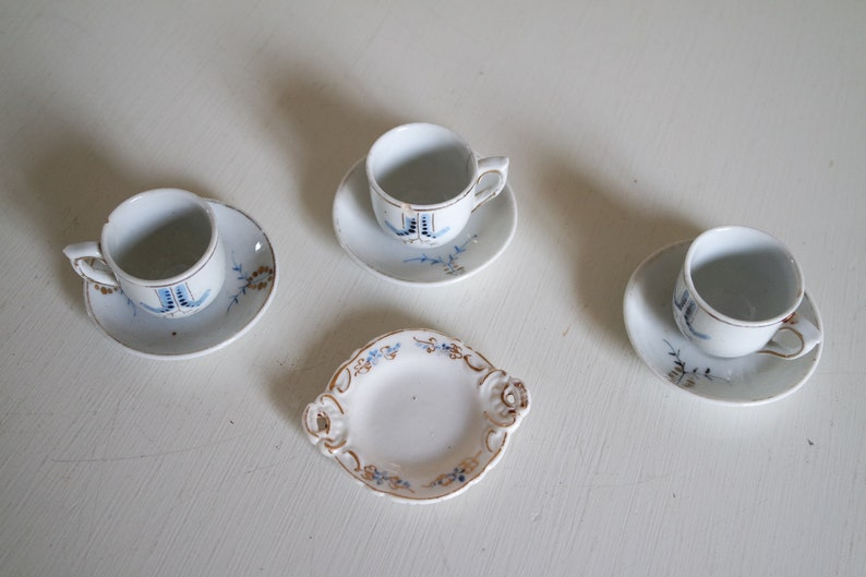 c08098e2089ea Vintage 1930 lot of 3 miniature/doll china cups and saucers + 1 dish