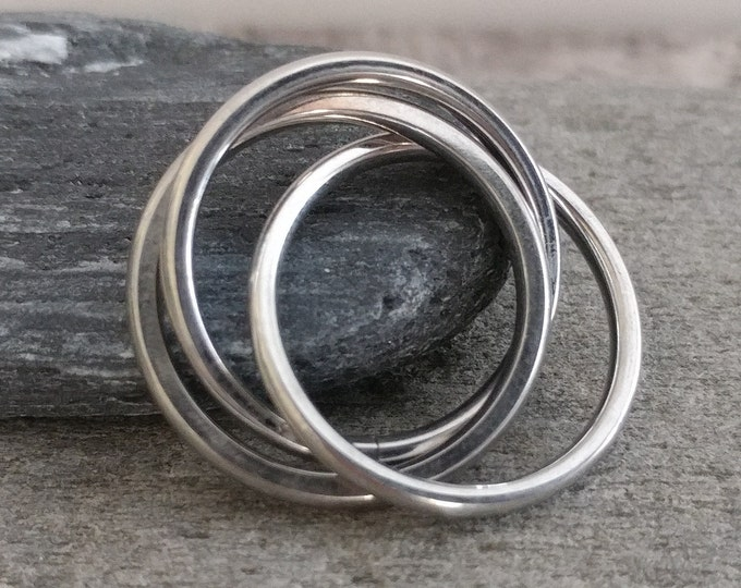 Silver Interlocking Ring, Rhodium Interlocking Ring, Fidget Ring, Rolling Ring, Silver or Multi Color, Size 6-9
