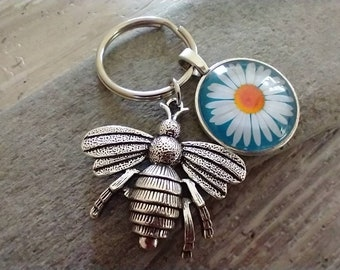Daisy Bumble Bee Key Chain- List Price reflects MSRP