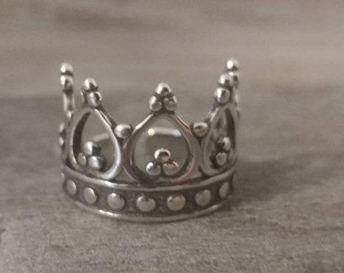 Elegant Silver Crown Statement Ring, Call to Unlock Wholesale Pricing