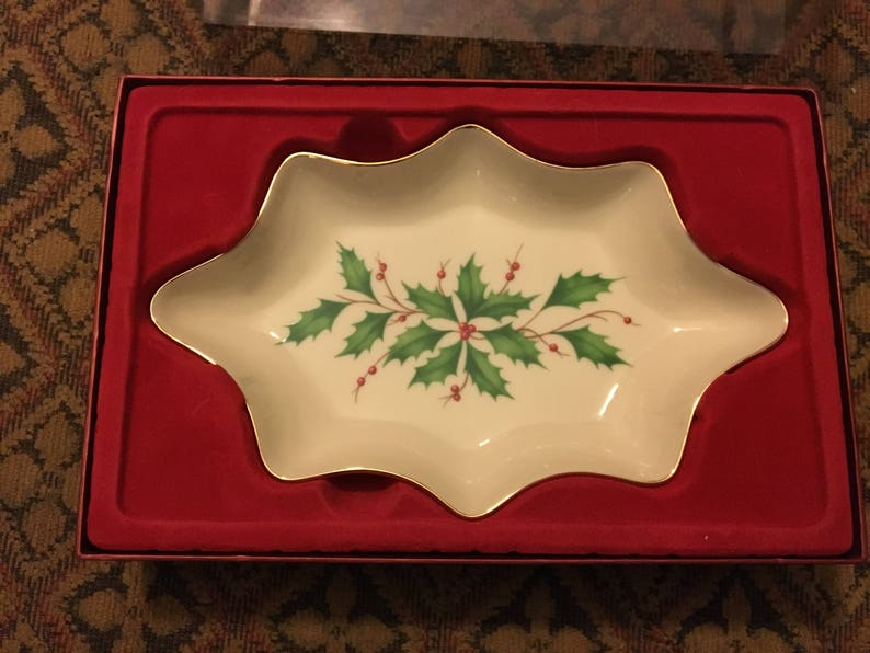 MIOB 1970s Lenox Holiday Dimension Scalloped 8-34\u201d Open Candy Dish