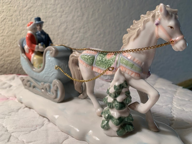 1940s Made in Occupied Japan Victorian Sleigh Figurine