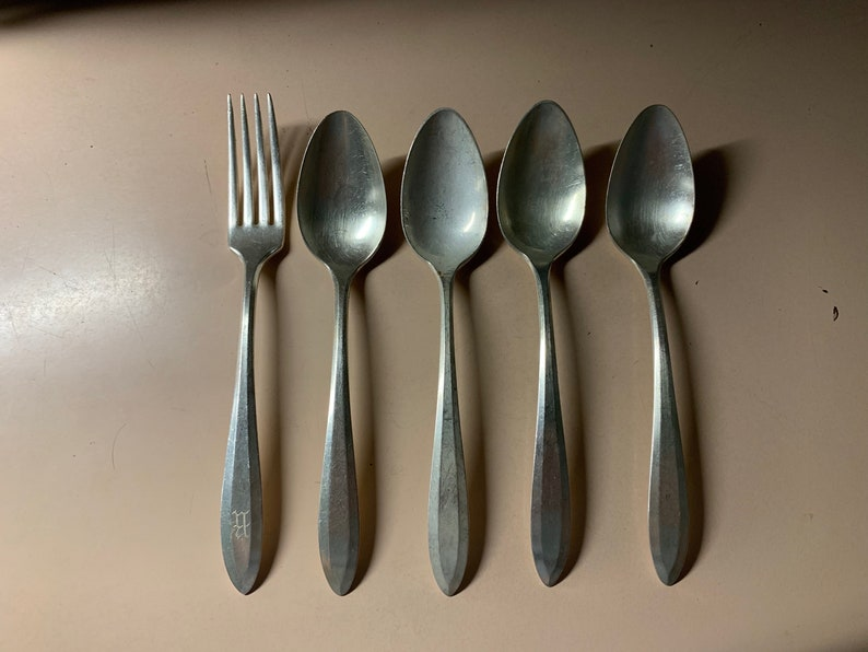 1970s Oneida Silver Community Plate Stainless Pattern #OHS303 1 Dinner Fork /& 4 Serving Tablespoons