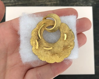 Round Brass Pendant Jewelry Craft Supply 16K Matte Gold Plated over Brass   2 Pcs GC032-MG