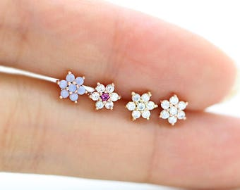 14K Flower Cartilage Earring/Tragus Earring/Tragus stud/Helix Piercing/Cartilage piercing/Flower Earrings/Conch piercing/Tragu piercing rook