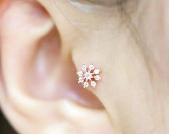 Snowflake cartilage earring/Tragus earring/Helix piercing/Conch piercing/Tragus stud/CZ stud ear piercing/Flower earring/Labret/Earrings