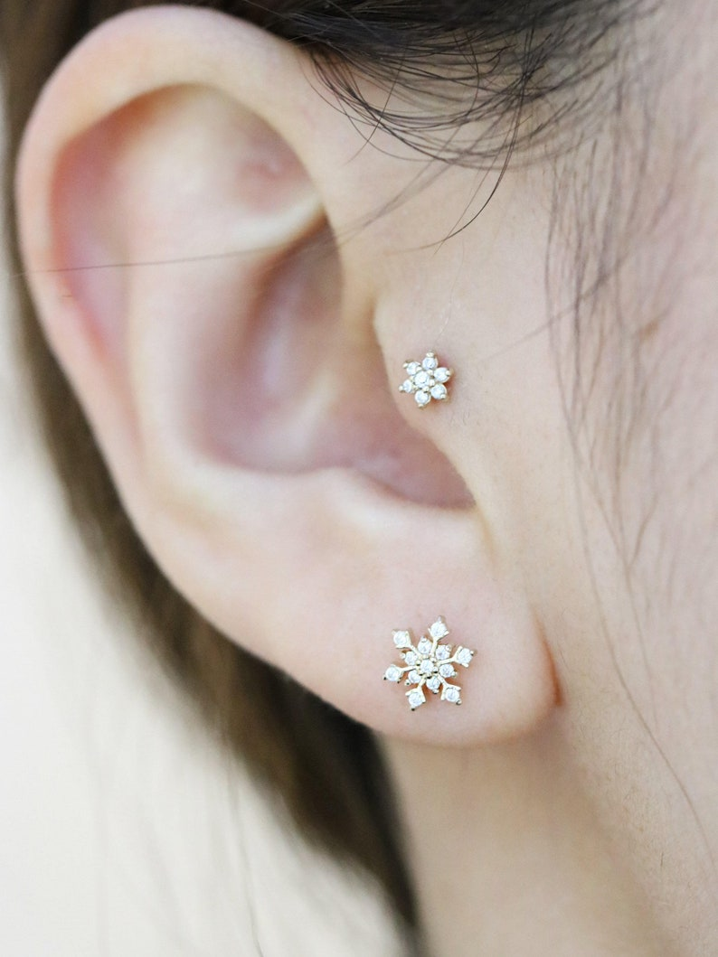 14K REAL Solid Gold Flower CZ Stud Helix Tragus Cartilage Earring Piercing 18G
