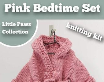 Knitting Kit Bedtime Set. Teddy Bear Bedtime knitting kit. Easy to knit kit. Easy Knit Pattern. Hand knitting. Bear knitting kit