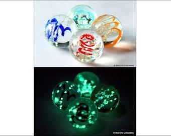 4 x 16mm Luminescent Glow In The Dark Glass Art Marbles - Handmade Jewellery Pendant Stone
