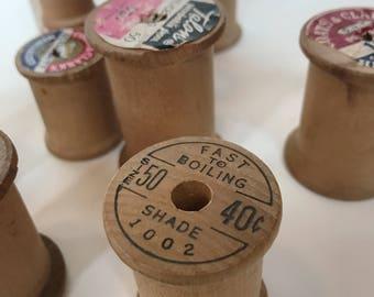 Vintage wooden spools (21)