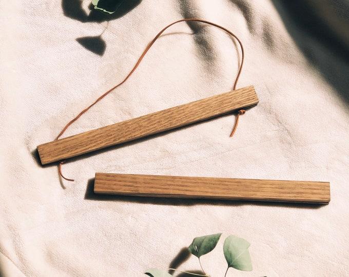 """Aged-Oak Hanger Frame for 12""""x12"""" or 11""""x14"""" Art Print"""