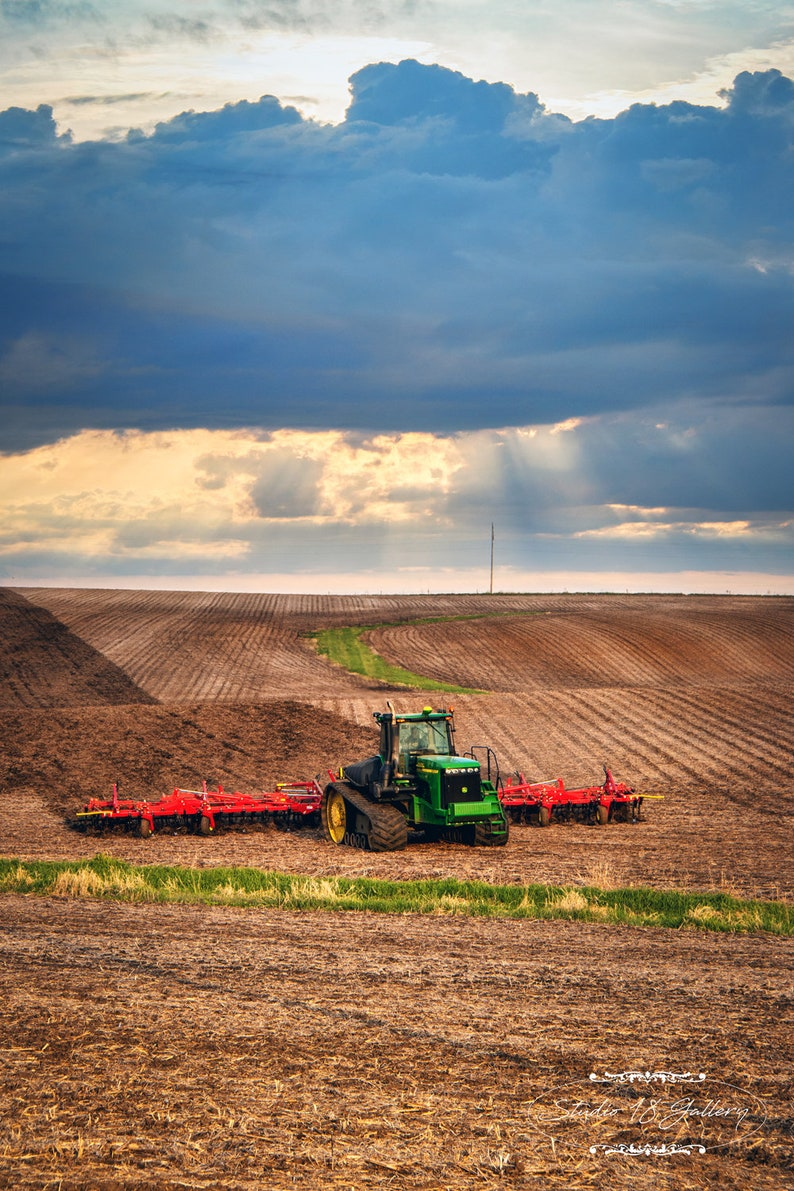 Photography  Iowa Farmer Sowing Fields Photographic Prints  image 0