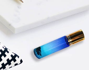 Crystal-Infused Magic Oil Rollerball - Arwen Blend - Ombre Blue Bottle