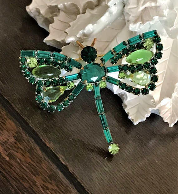 Stunning Vintage Green Vintage Dragonfly Pin, Gree
