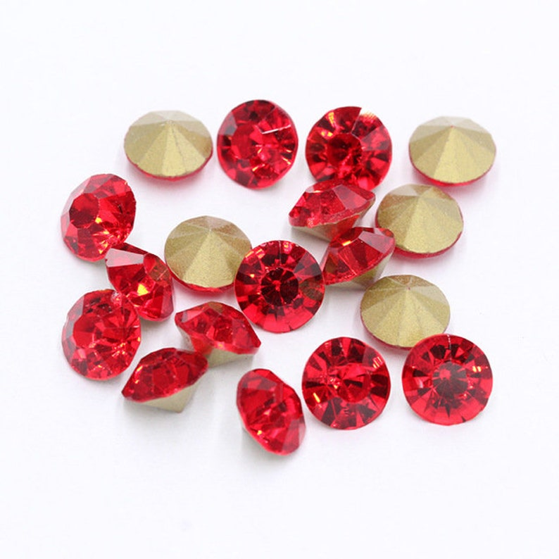 Red Pointed Back Rhinestones light siam pointed back crystals loose chatons glass crystals beads ss4 ss6 ss8 ss10 ss12 ss16 ss20 2mm-4.5mm