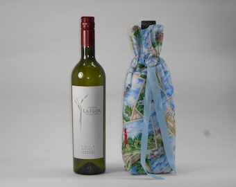 Lighthouses on Light Blue Insulated Wine Bag