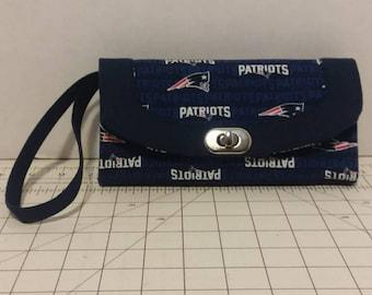 NFL New England Patriots Necessary Clutch Wallet
