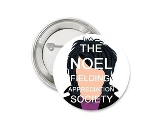 Noel Fielding Appreciation Society Badge • Mighty Boosh Badge • Funny Noel Fielding Gift • Vince Noir • 38mm Badge • Flair • Pin badge