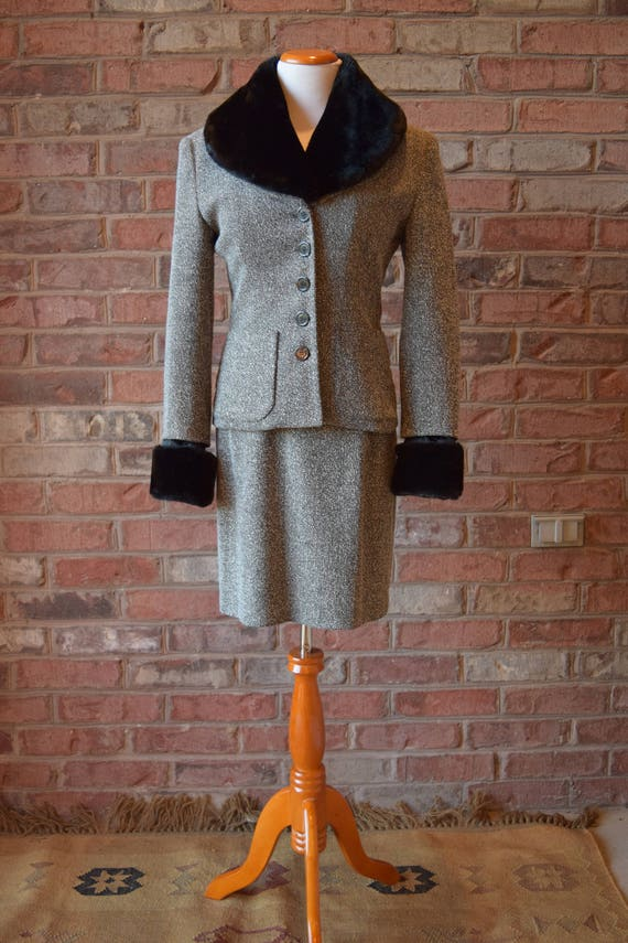 80s FAUX FUR SUIT with removable cuffs and collar