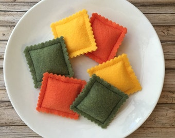 felt pasta, sensory toy pasta shapes, waldorf toy, felt ravioli, montessori play food pasta, creative play, toddler play, dramatic play food
