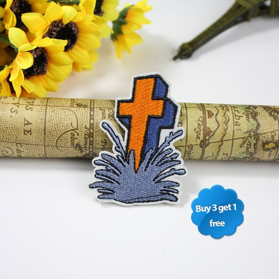 IRON CROSS Embroidered Iron On Sew On Patch 2 Sizes