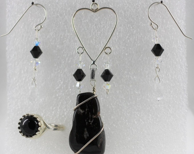 Black Onyx - Pendant Set - Free Ring