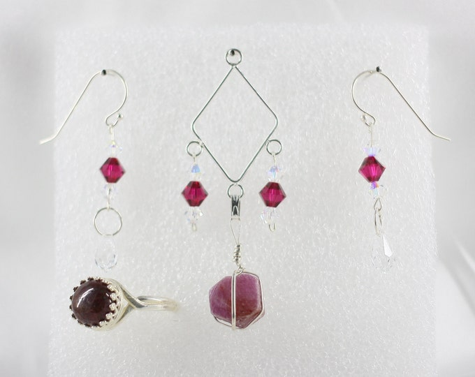 Ruby - Pendant Set - Free Ring