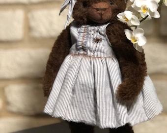 Teddy bear Mo, artist teddy bear, stuffed toy