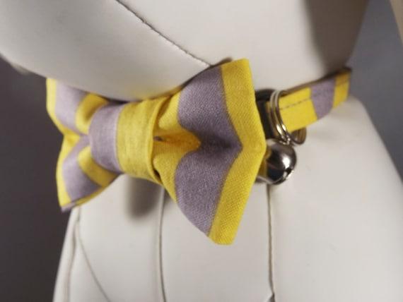 Collier pour chat, chaton collier, gris et jaune collier de chat, collier chat Breakaway, bell & Collier Fleur ou noeud papillon inclus, à rayure