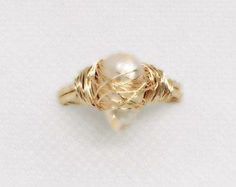 Pear Shaped Pearl on goldfill