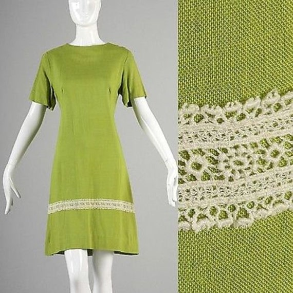 Large 1960s Day Dress 60s Shift Dress Short Sleeve