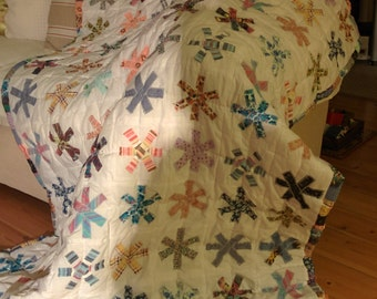 Patchwork and applique flower quilt