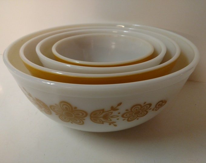 PYREX - Butterscotch & White / Nesting Mixing Bowls - BUTTERFLY GOLD Pattern - Set of Four - #401, 402, 403, 404 - circa 1960 - 1970's