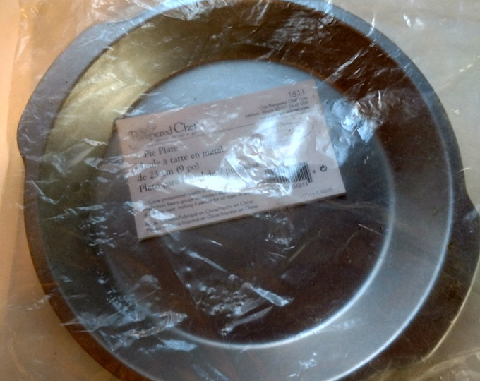 """PAMPERED CHEF - Aluminum Pie Pan - Heavy Guage 9"""" - #1511 - New in Plasic"""