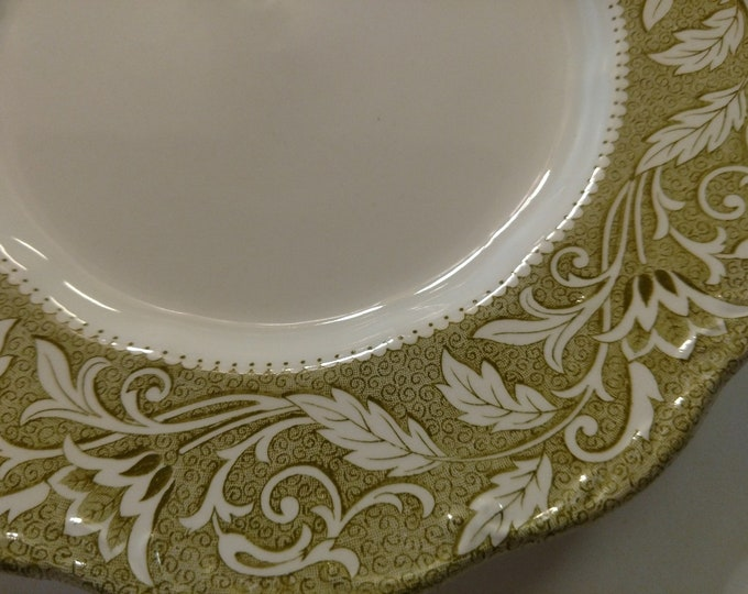 J & G MEAKIN - Dinner Plate - English Staffordshire - Renaissance Green Pattern - circa 1970's