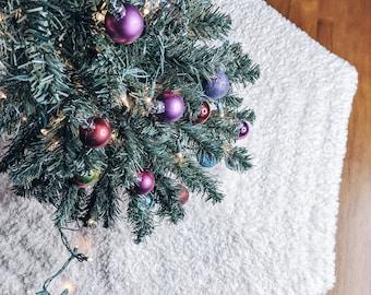 Faux Fur Tree Skirt Crochet Pattern PDF, Christmas Tree Skirt, Crochet Tree Skirt Pattern, Fuzzy Tree Skirt, Fur Tree Skirt Pattern